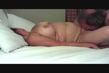 Видео оральный секс супругов