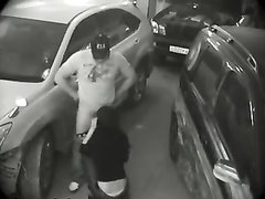 Женатый водитель на парковке трахает бесплатно свою одинокую соседку, которая своим флиртом дала понять, что готова