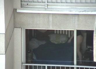 Секс в окне подгляд