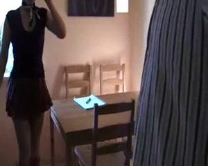 Студентка не ожидала, что на дополнительном занятии у неё будет оральный и анальный секс со зрелым преподавателем