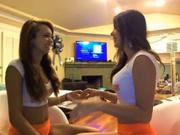 Молодые распутницы онлайн танцуют в эротической трансляции, тряся попками и сиськами в прямом эфире