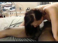 Ненасытная немка для секса пригласила выносливого негра, чтобы он трахал её подольше