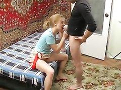 Зрелой русской нравится у себя дома трахаться бесплатно с пылким молодцем, готовым долбить её круглосуточно
