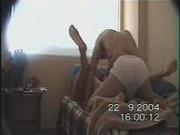 Скрытая камера и супружеская измена на диване, получилось шикарное любительское видео, которое не обрадует мужа дамы