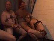 Групповое немецкое порно с минетом, риммингом и двойным проникновением