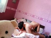 Робкий муж подглядывает за оральным сексом жены и её любовника, они кайфуют в 69 позе