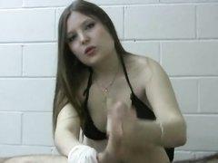 Любительское видео с профессионалкой, делая массаж простаты она не удержалась от минета