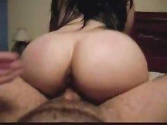 Шикарный секс с фигуристой латинкой, которая обращена большой попой к партнёру