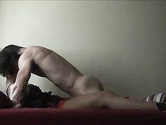 Нет лучшего способа для примирения в супружеской паре, чем утренний или вечерний домашний секс в родной постели