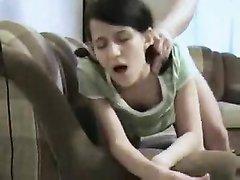 Молодой брюнетке по нраву хардкор, брутальный секс завершился окончанием в открытый рот