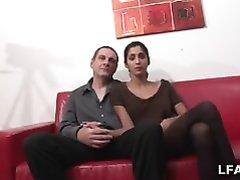 Оральный секс парижской парочки, им достаточно для оргазма минета и куни