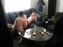 Немецкое домашнее порно с обычной скрытой камеры, установленной ревнивым супругом для слежки за женой блондинкой
