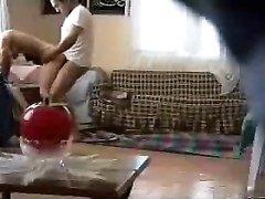 Любительское арабское порно было случайно снято скрытой камерой и парочка не знала, что станет знаменитой