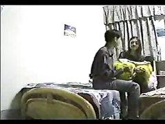 Азиатский домашний секс оказался в обзоре скрытой камеры, которую в номере установил один из сотрудников и подглядывал
