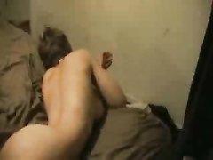 Грудастая жительница Дублина пригласила для домашнего секса коллегу
