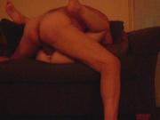 Парень лижет у зрелой партнёрши клитор на порно свидании и энергично трахает намокшую щёлочку
