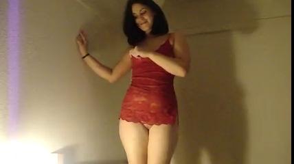 Фигуристая испанка дала полизать киску любовнику и после куни дала согласие на домашний секс
