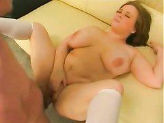 Грудастая толстуха в белых гольфах снялась в любительском порно со своим преданным поклонником