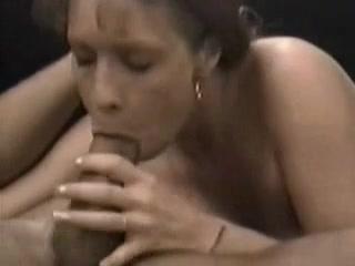 Зрелая американка обожает оральный секс, если сосать дают большой член