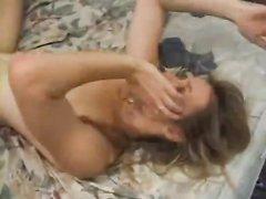 Домашнее межрассовое порно негра и зрелой развратницы, они основательно нализались в 69 позе