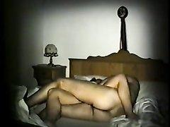 Скрытая камера снимает домашний секс, но это не супруги, а жена трахается с любовником, живущим по соседству