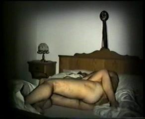 Порно скрытой камерой с замужней женщиной