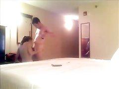 Видео супружеской измены молодой леди было записано в спальне скрытой камерой
