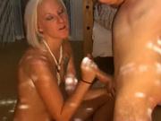 Любительская мастурбация от блондинки на камеру для горячего видео стала возможной за дополнительную плату