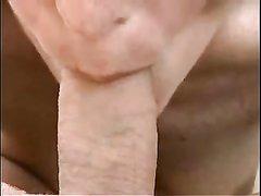 На видео от первого лица зрелая дама с маленькими сиськами нежно берёт в рот и сосёт молодой член