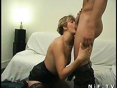 Любительское анальное порно со зрелой француженкой, отдавшейся в попку парню с крепким членом