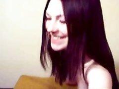 Скромная русская брюнетка с маленькими сиськами дрочит киску онлайн для своего друга по вебкамере