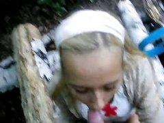 Пикапер уговорил незнакомую русскую блондинку пососать член для видео от первого лица
