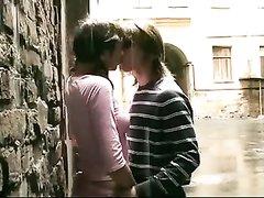 Любительское русское порно с красивой парой, наделённой романтикой в отношениях