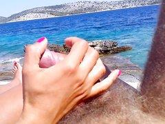 Жена дрочит член мужа на берегу от первого лица, а он снимает на видео её ухоженную руку с членом
