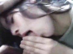 Пассажирка расплатилась минетом с водителем, позволив снять отсос на видео