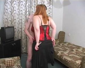 Порно русских зрелая и молодой сосед фото 303-937