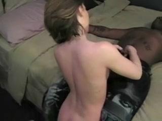Порно видео домохозяйки межрассовое фото 293-275