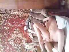 Любительское видео с супружеской изменой русского мужа с сотрудницей со скрытой камеры