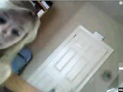 Любительская мастурбация в видео от блондинки с маленькими сиськами из Германии