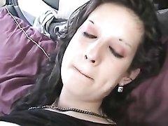 Немка снялась в любительском порно и отсосав член получила его в горячую киску