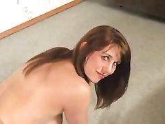 Крупная дама в красных чулках в любительском порно с БДСМ сосёт член и отдаётся на карачках
