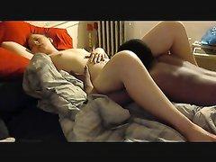 Зрелая немка в межрассовом порно дала полизать киску нежному негру и тот выполнил куни вставил