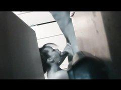 Любительский минет от сотрудницы в обзоре скрытой камеры, снимающей всё на видео