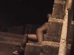 Любительский секс перевозбуждённой парочки вечером снимает скрытая камера