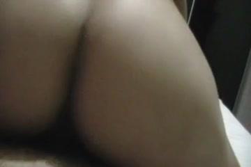 За домашним сексом горячей бразильской пары пристально подглядывают