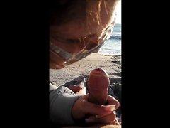 Любительское видео от первого лица с нежным минетом от очкастой и зрелой незнакомки