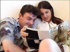 Молодая пышка обожает куни и парень в любительском порно лижет клитор до минета