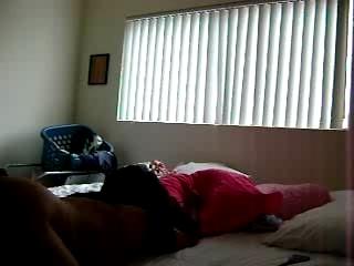 В уютной постели снято любительское порно с супружеской изменой от шаловливой жены