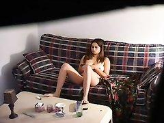 За домашней мастурбацией красотки подглядывает и снимает на видео незнакомец