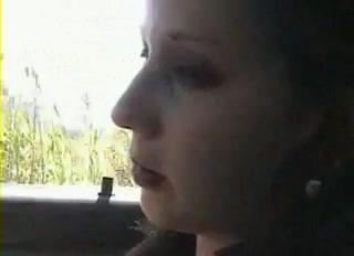 Даже в машине возможен домашний секс с горловым минетом и проникновением